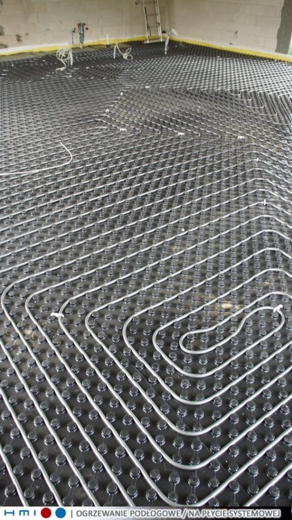 ogrzewanie podłogowe Szczecin | przed wylaniem posadzki | HMI🔴🔵
