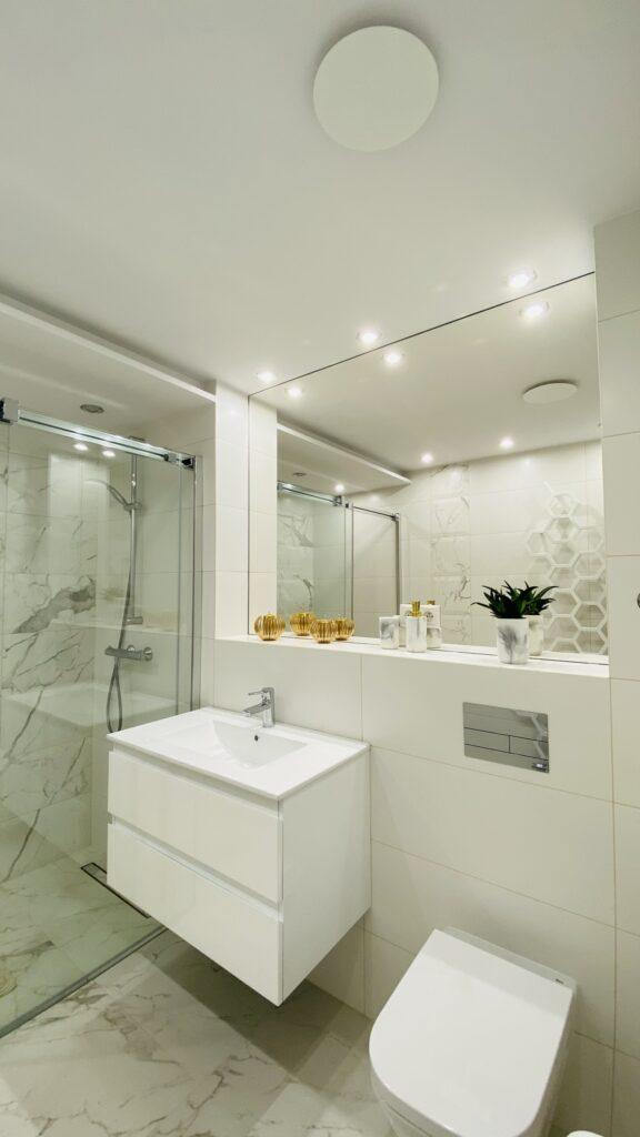 toaleta ze stelażem TECE