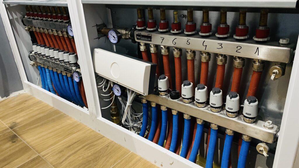 rozdzielacz z automatyką | sterowanie strefowe ogrzewaniem | DANFOSS | HMI Szczecin